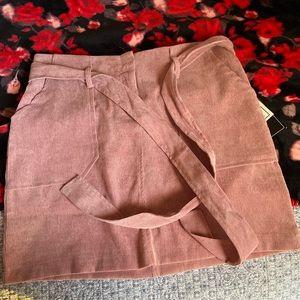 Suede skirt with adjustable belt